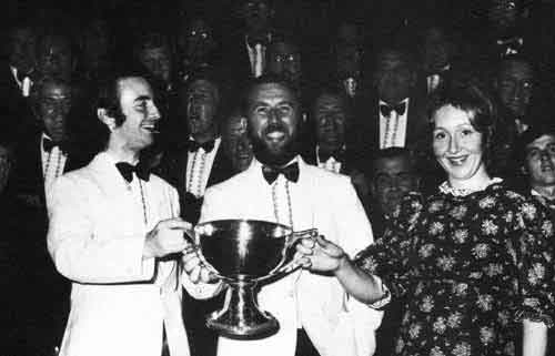 Goronwy Wynne with the trophy at the 1973 Eisteddfod